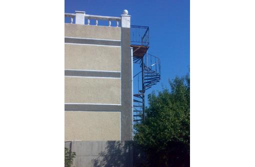 изготовление лестниц по индивидуальным заказам и размерам, фото — «Реклама Севастополя»