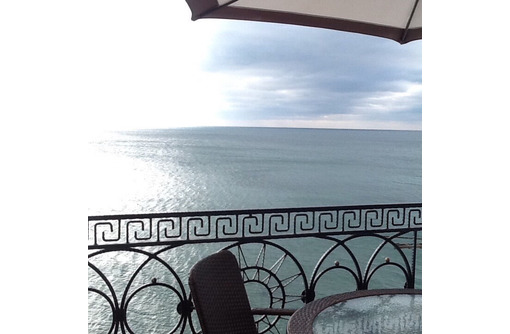 Двухкомнатные апартаменты у самой кромки моря в Каче, фото — «Реклама Севастополя»
