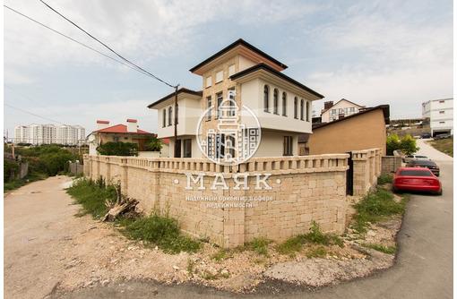 Изолированная часть дома с отдельным входом и двором по ул. Феодосийская, фото — «Реклама Севастополя»