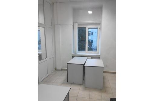 Меблированный Офис на Первой линии Ул Гоголя (Центр), с предоставлением Юр Адреса, площадью 18 кв.м., фото — «Реклама Севастополя»