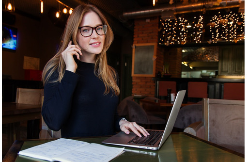 Онлайн консультант (подработка на дому), фото — «Реклама Керчи»