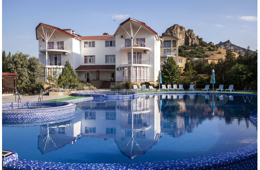 Отель, пансионат, гостиница  у моря, 50 номеров, Коктебель, 240 млн.руб., фото — «Реклама Коктебеля»