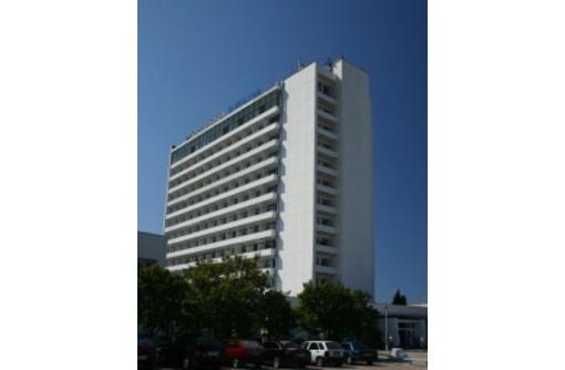 продам в центре Севастополя 14 этажную гостиницу. 650 млн.рублей., фото — «Реклама Севастополя»