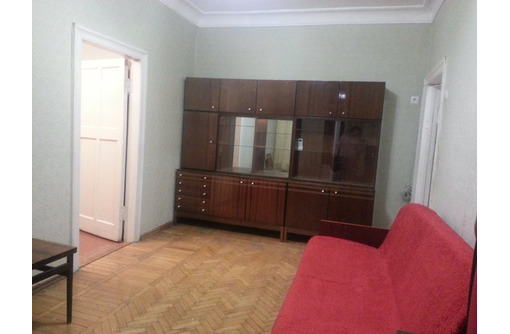 Сдам свою 2-комнатную (центр, ул.Кожанова) длительно, без выселения на лето, фото — «Реклама Севастополя»