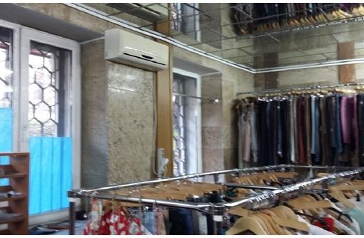 На Первой линии Центра города ул. Гоголя, Сдается в Аренду Торгово-Офисное помещение, 55,5 кв.м., фото — «Реклама Севастополя»