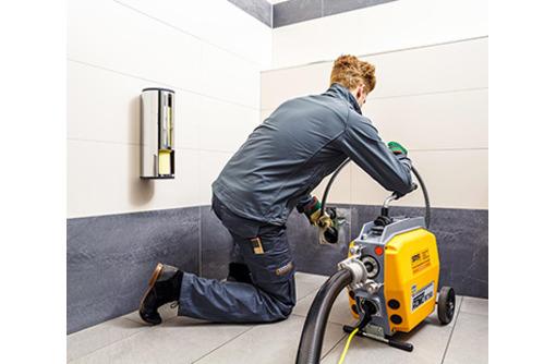 Прочистка канализации, канализационных труб. Устранение и удаление засора электрооборудованием, фото — «Реклама Алушты»