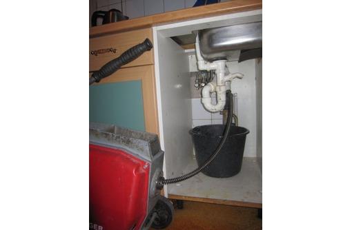 Прочистка засоров канализации. Промывка и устранение жира канализационных труб, фото — «Реклама Алушты»