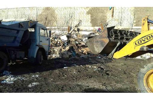 Вывоз мусора с коттеджей, дачных участков и частных домов услуги грузчиков, фото — «Реклама Севастополя»