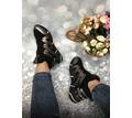 Новые кроссовки на меху. Очень классные - Женская обувь в Севастополе