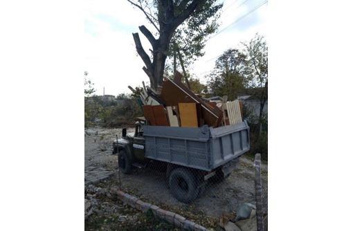 Вывоз строительного и бытового мусора. Погрузка копка котлованов, траншеи. Доставка стройматериалов., фото — «Реклама Севастополя»