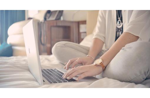 Менеджер в интернет-магазин, фото — «Реклама Черноморского»