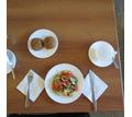 Требуется ОФИЦИАНТка в столовую отеля у моря, с проживанием и питанием, Крым Судак - Бары / рестораны / общепит в Судаке