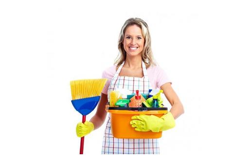 Уборщица в торговый центр, фото — «Реклама Севастополя»