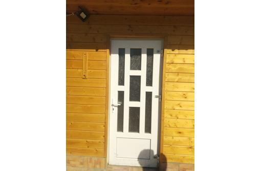 Пластиковые входные и межкомнатные двери, фото — «Реклама Севастополя»