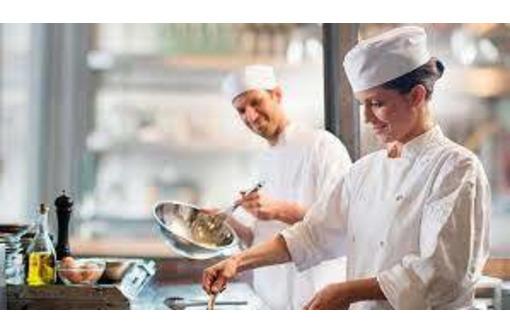 Требуется в г. Севастополе: Помощник повара, фото — «Реклама Севастополя»
