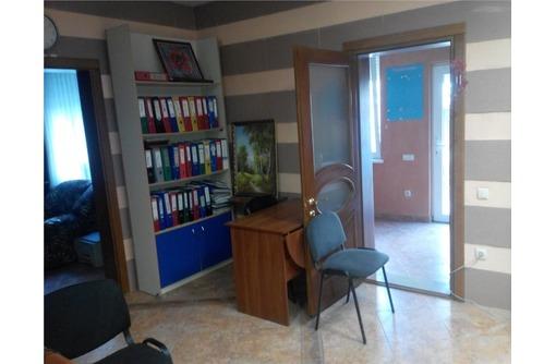Сдается в Аренду Меблированный Офис в районе пл Ушакова (Центр), площадь 50 кв.м., фото — «Реклама Севастополя»