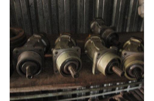 Гидромоторы, насосы, распределители, цилиндры на экскаваторы, автокраны., фото — «Реклама Щелкино»