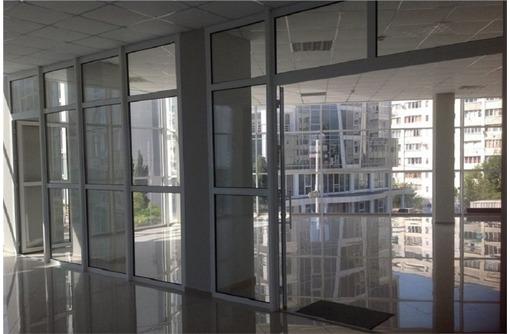 Красная линия Торгово-Офисное помещение на ул Колобова (гагаринский район), площадь 200 кв.м., фото — «Реклама Севастополя»
