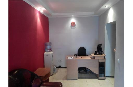 ЛУЧШИЙ! Пяти-кабинетный офис в районе Большой Морской, площадью 80 кв.м., фото — «Реклама Севастополя»