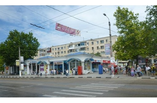 ТРАФИК! Аренда Торгового помещения с Большой Проходимостью на Юмашева, площадью 30 кв.м., фото — «Реклама Севастополя»