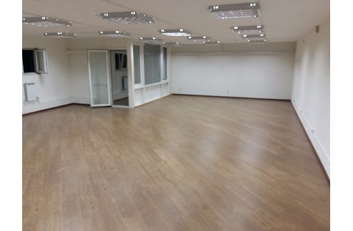 Первая линия Торговое помещение на Пр Победы, общей площадью 90 кв.м., фото — «Реклама Севастополя»