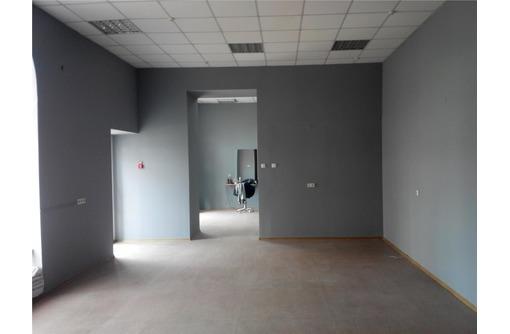 Аренда Торгово-Офисного помещения на Первой линии ул Генерала Петрова, площадью 80 кв.м., фото — «Реклама Севастополя»
