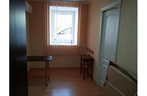 Офисный кабинет на Ленина, площадью 10 кв.м., фото — «Реклама Севастополя»