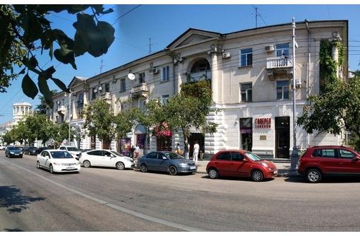 КРАСНАЯ ЛИНИЯ - Аренда Большая Морская, площадью 150 кв.м., фото — «Реклама Севастополя»