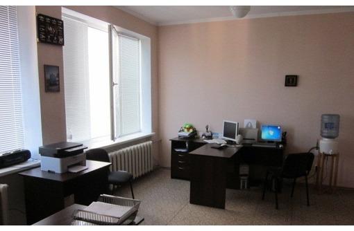 МЕБЛИРОВАННЫЙ Офис по адресу ул. Коммунистическая, площадью 25 кв.м., фото — «Реклама Севастополя»