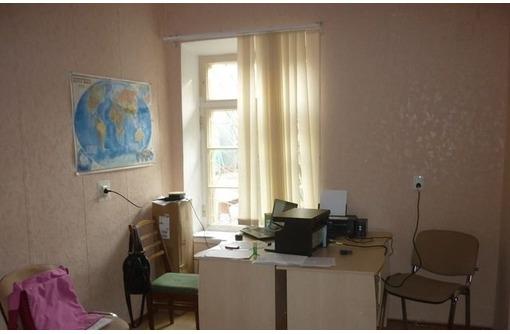 Трех кабинетный Офис в Центре по адресу ул Кулакова, площадью 40 кв.м., фото — «Реклама Севастополя»