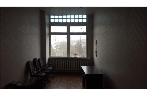 Двух-кабинетный Офис на ул Коммунистическая, общей площадью 29 кв.м., фото — «Реклама Севастополя»