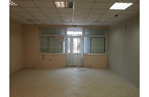 Торговое помещение в жилом массиве ул. Астана Кесаева, площадью 40 кв.м., фото — «Реклама Севастополя»