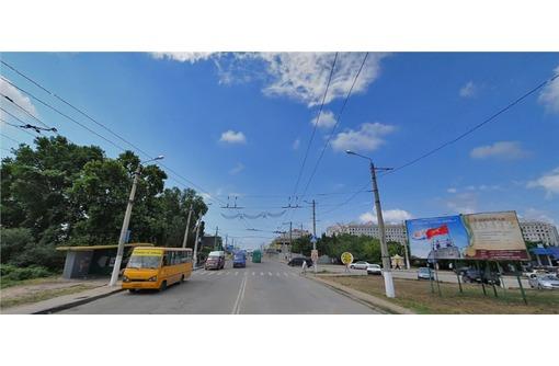 Красная линия на ул Героев Сталинграда, площадью 143 кв.м., фото — «Реклама Севастополя»