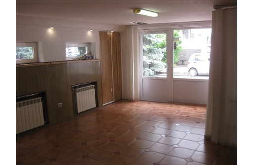 Кулакова - Аренда Торгово-Офисное помещение, общей площадью 40 кв.м., фото — «Реклама Севастополя»