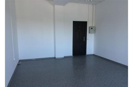 Генерала Острякова - Универсальное офисное помещение, площадью 24,8 кв.м., фото — «Реклама Севастополя»