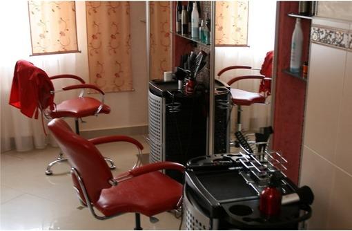 Оборудованный Салон Красоты в Камышах, площадью 25 кв.м., фото — «Реклама Севастополя»