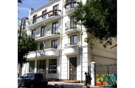 Красная линия - Аренда Офисного помещения с отдельным входом и Рекламой, площадью 40 кв.м., фото — «Реклама Севастополя»