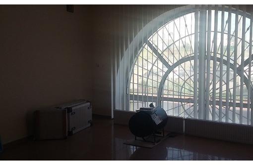 Омега - Аренда 3-х кабинетного Офисного помещения с удобной парковкой, площадью 75 кв.м., фото — «Реклама Севастополя»