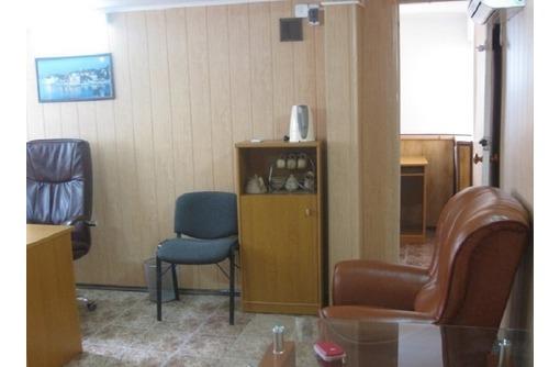 Меблированный Двух-кабинетный Офис в Центре города, общей площадью 36 кв.м., фото — «Реклама Севастополя»
