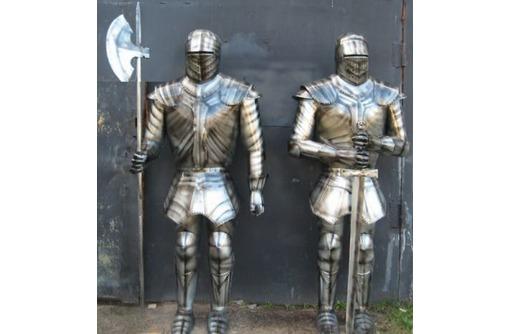"""скульптурная композиция из металла""""Стражники"""", фото — «Реклама Белореченска»"""