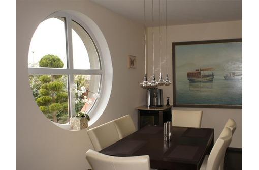 Нестандартные окна в Сочи, фото — «Реклама Сочи»