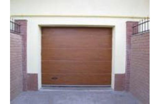 Ворота секционные гаражные, фото — «Реклама Краснодара»
