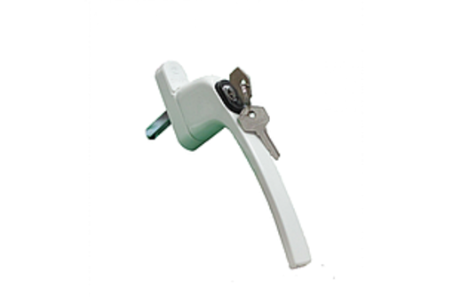 Ручка оконная с ключом белого цвета, фото — «Реклама Краснодара»