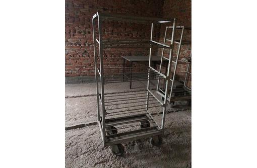 Контейнер (стеллаж) металлический для семи полок (лотков), фото — «Реклама Усть-Лабинска»