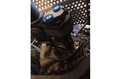 Гидравлика на тягач для работы с самосвальным полуприцепом, фото — «Реклама Краснодара»