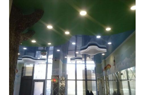Натяжные потолки, большой выбор. Монтаж, фото — «Реклама Сочи»