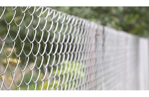 Сетка Рабица оцинкованная в рулонах, фото — «Реклама Апшеронска»