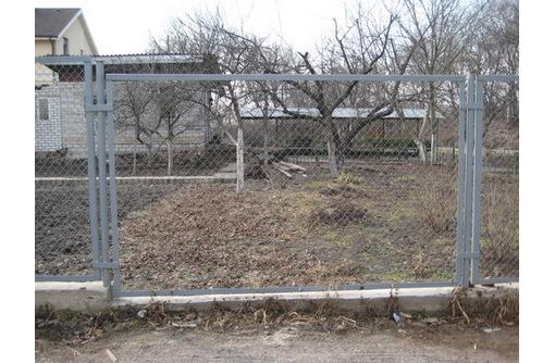 Заборные секции в Кропоткине, фото — «Реклама Кропоткина»