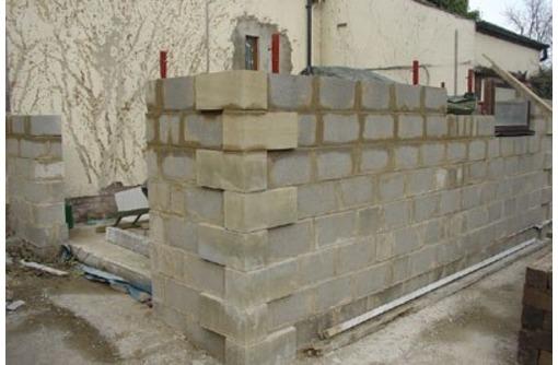 Укладка блоков в Сочи и Адлере, фото — «Реклама Сочи»