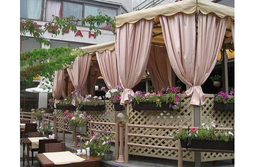 Уличные шторы для террас и беседок, фото — «Реклама Краснодара»